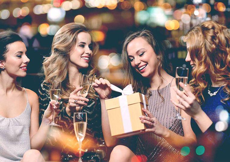 50 ідей Що подарувати Подрузі на День Народження + ще 24 подарунка