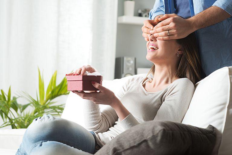 Нові 55+7 ідей що подарувати Дружині на 35 років та Поради